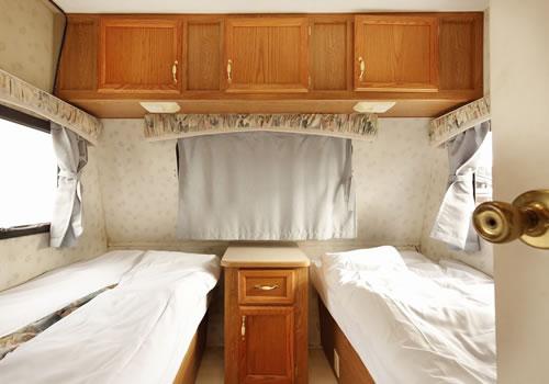 トレーラーハウス寝室